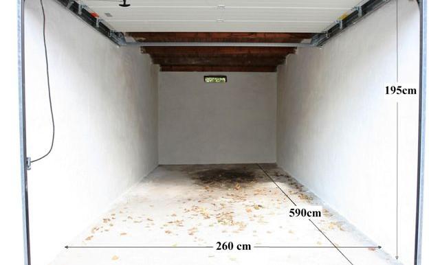 Standsard garage Til Leje ! (1)